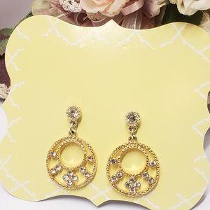 Elegant vintage gold tone & crystal earrings